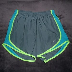 NWOT Nike Dri-Fit Tempo Run Shorts S